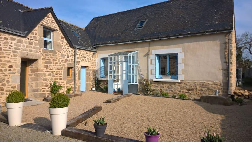 maison proche bord de mer et zoo - Pont-Scorff - Casa
