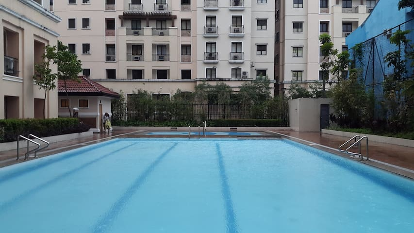 New 1 BR luxury resort, wifi&pool - Pasay City - Wohnung
