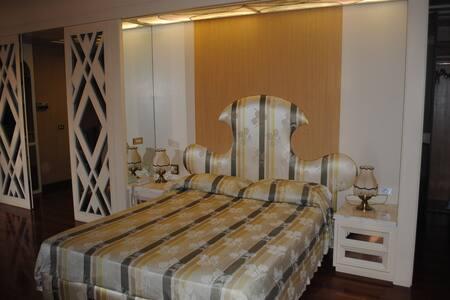 Dimora ottecentesca centro storico3 - Agliano - Bed & Breakfast