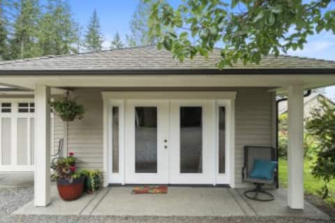 Sunrise Cottage at Orchard Hill