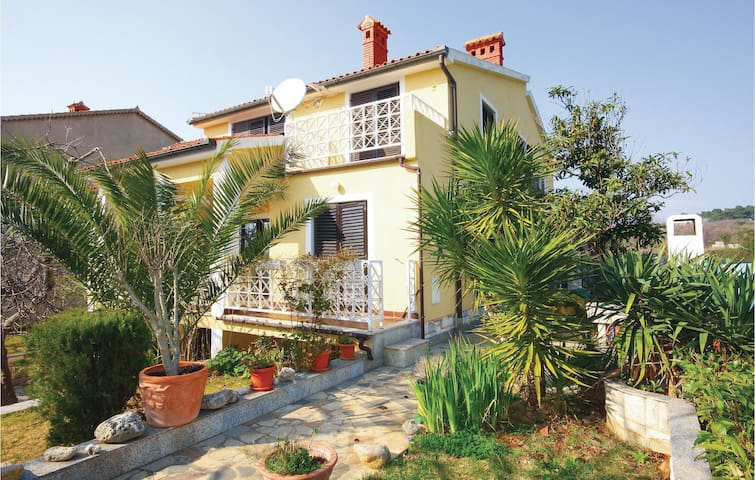 Holiday apartment with 1 bedroom on 45m² in Medulin