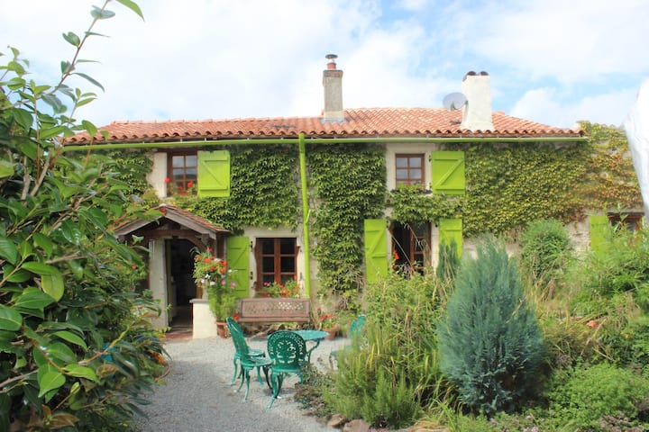 Vendee Farmhouse and Pottery