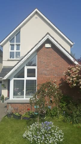 Small double, walking distance to city centre