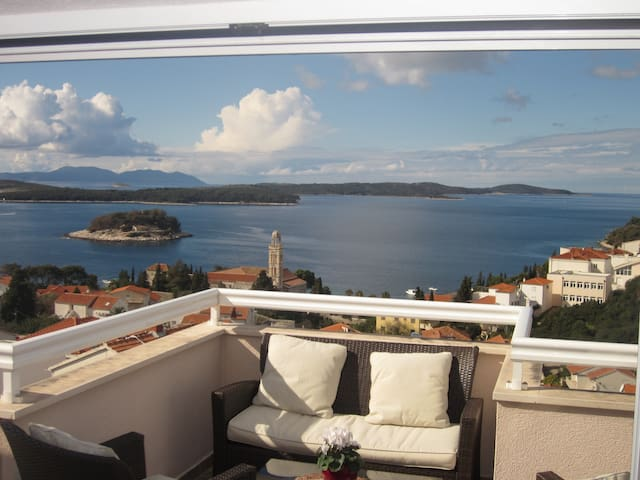 Deluxe with seaview and terrace - Hvar