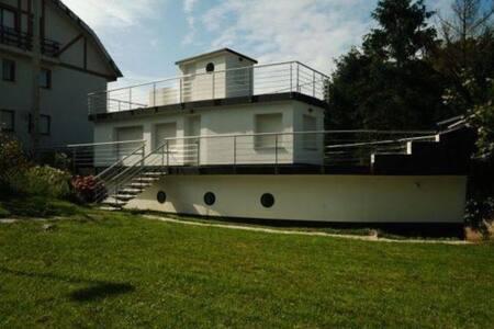 Fantástica casa barco - Pechón