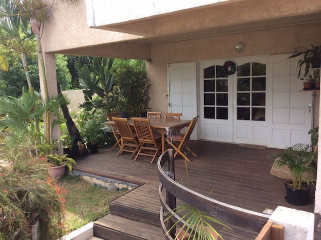 Chambre dans villa vue montagne-mer - Ravine des Cabris - House