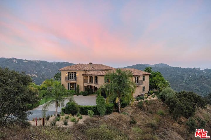 Tuscan Villa, hill top property in Topanga