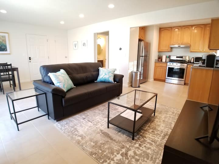 Remodeled Upstairs Apartment near Apple Campus