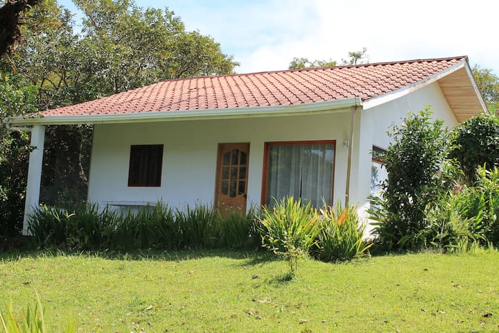 Blue Butterfly Cottage - Nuevo Arenal - Haus