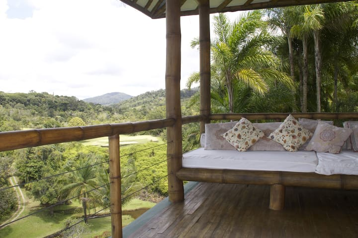 Eco-friendly bamboo house  - Serra Grande - Haus