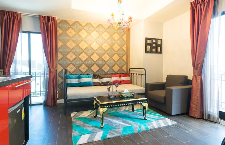 Family room Morocco style - 100m from BTS