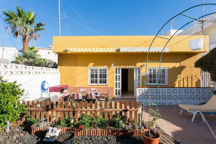 Beautiful 3 Bedroom Canarian Villa  - Buzanada - House