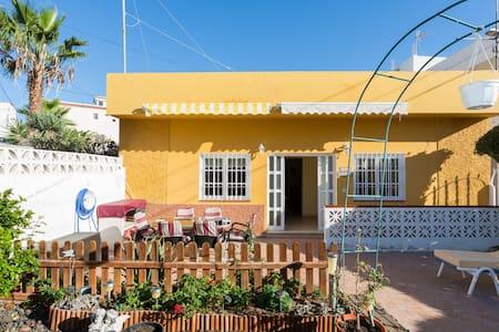 Beautiful 3 Bedroom Canarian Villa  - House