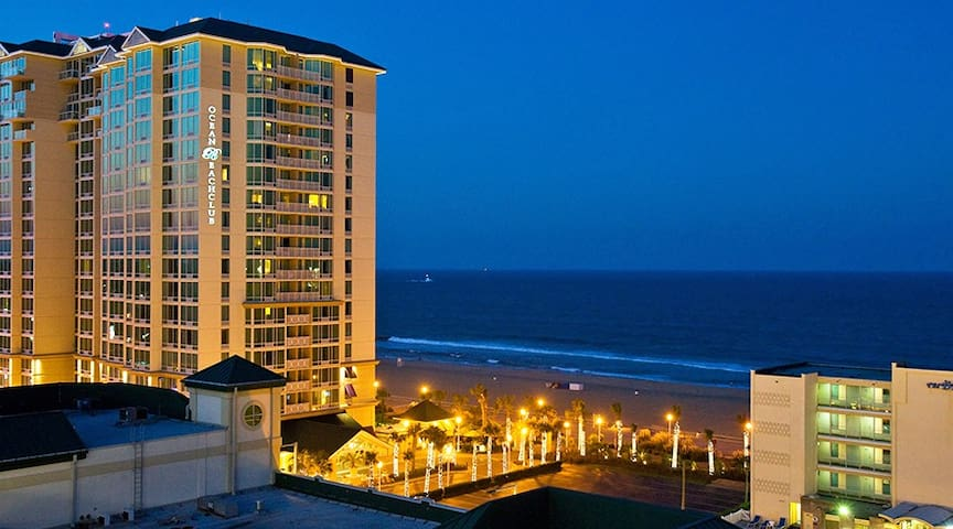 Virginia Beach - 1 bedroom suite with Ocean view.
