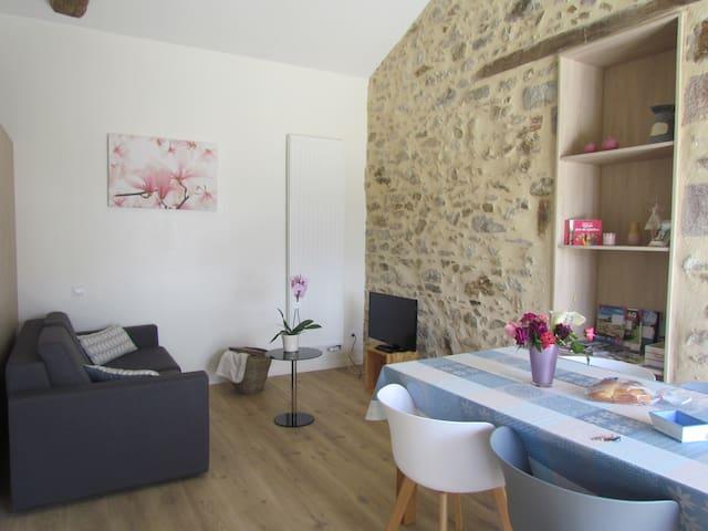La petite maison, 2/4 p à 25 mns  du Puy du fou