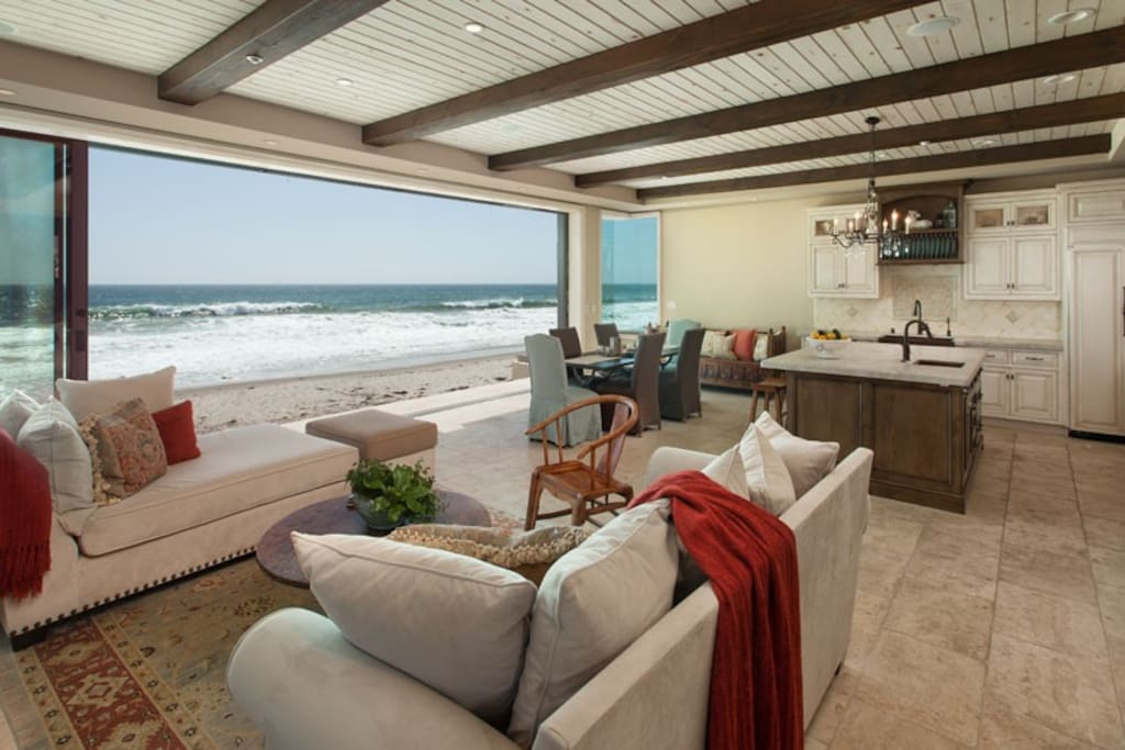Stunning custom beach house houses for rent in ventura for Custom beach house