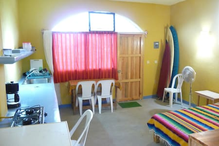 Studio apartment 5 min. from beach - Brisas de Zicatela