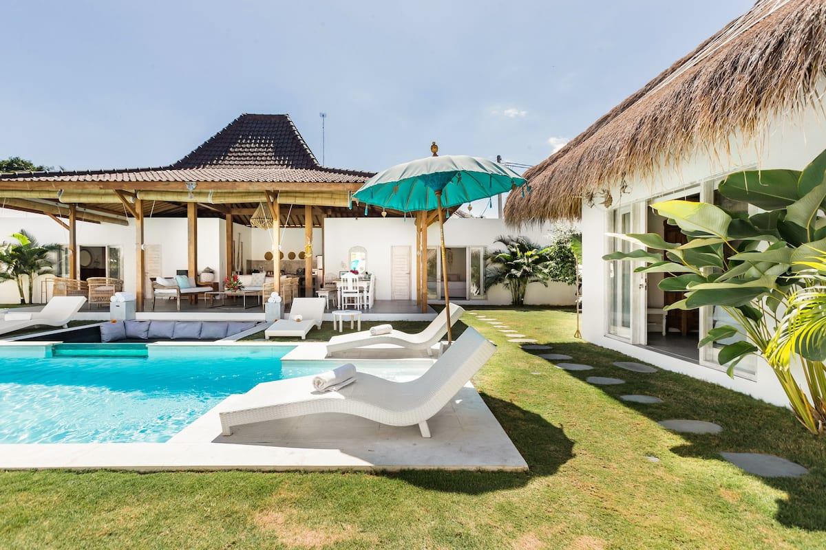 Exquisite Architectural Villa with Outdoor Pool