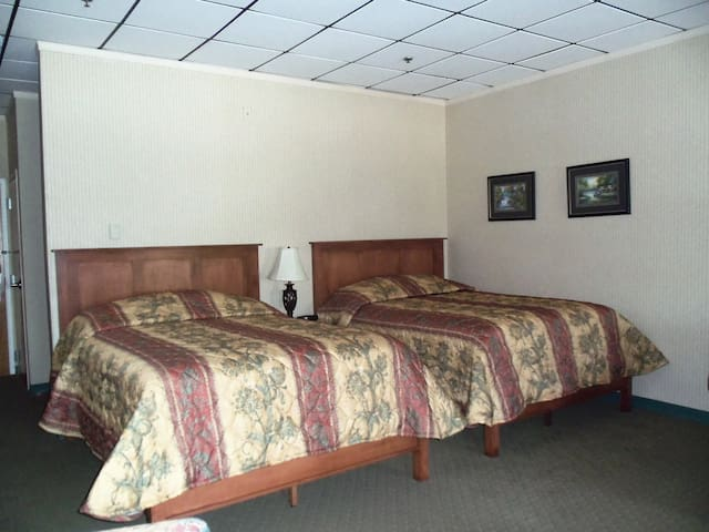 The Depot Square Inn - Room 524