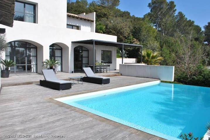 Villa contemporaine sur les hauteur - Montferrier-sur-Lez - House