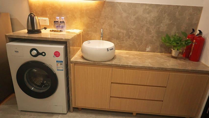 曼斐国际公寓 京溪南方医院地铁站 公寓配套洗衣机 天和购物广场 万科天河御品 标准大床房