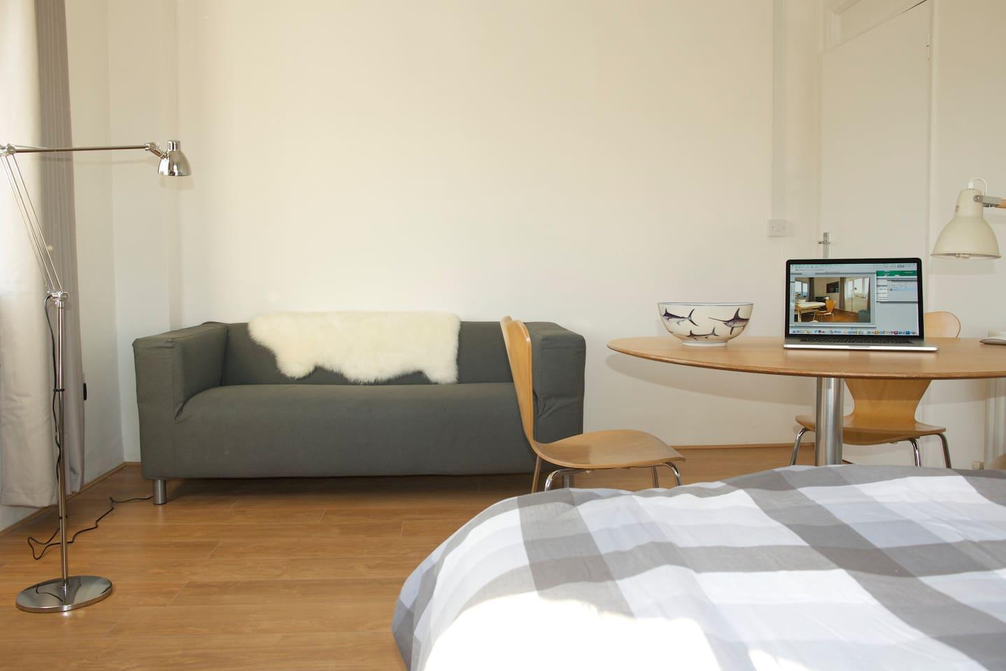 Studio Apartment - sofa, table, double bed, tv etc - one room