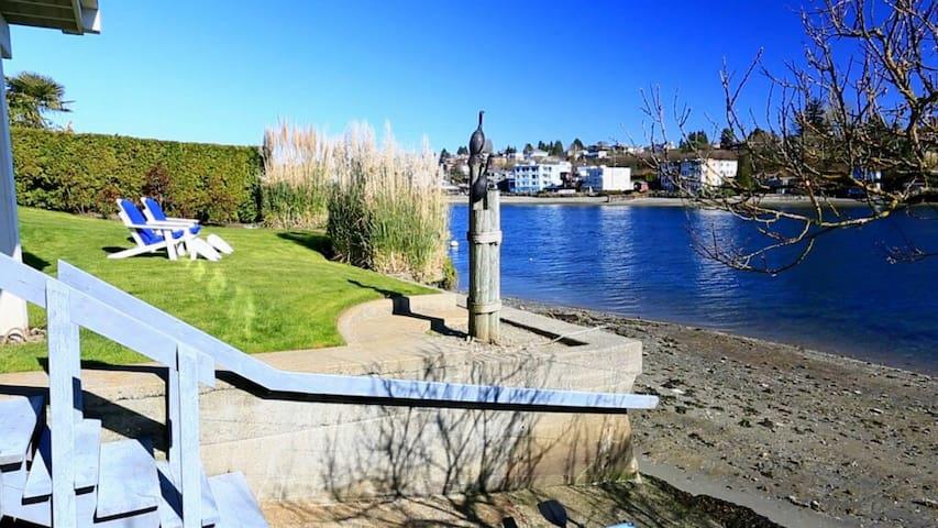 Kayak w/ Seals!  Private Quiet Discovery Park Apt