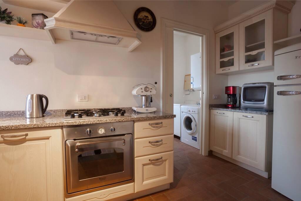 La cucina/The Kitchen