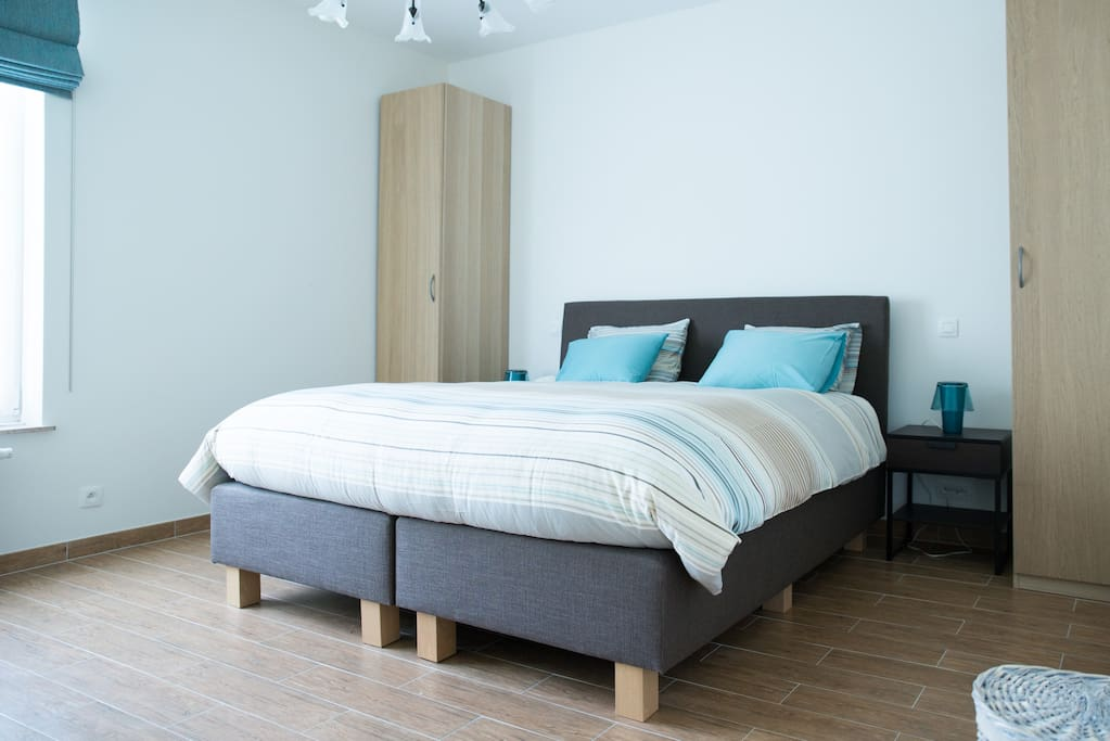 Room with double bed (180X200)