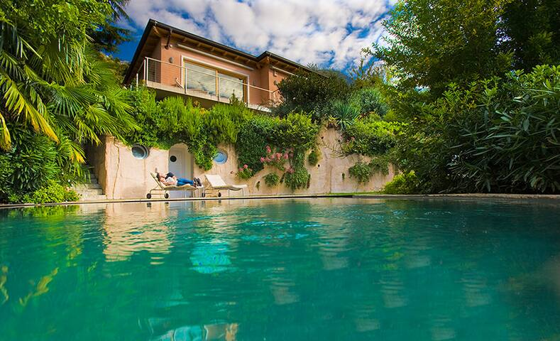 A villa overlooking Lake Garda!! - Malcesine - Villa