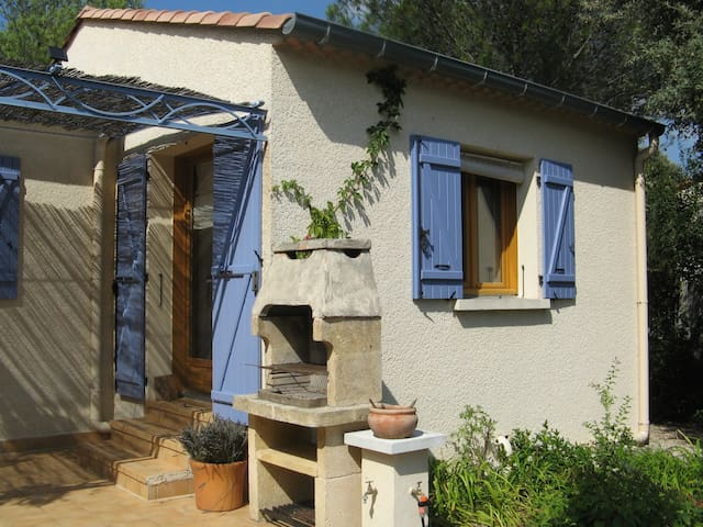 Studio à l'abri du Mistral near Uzès - Garrigues-Sainte-Eulalie - Huis