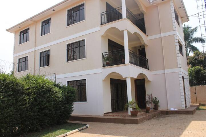 Daisy apartment, with lake Vic view - Kampala - Apartment