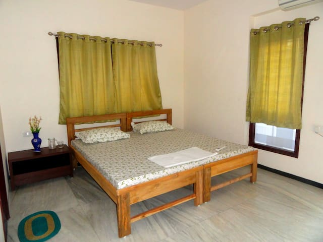 Shikhar Service Apartments, Vadodara