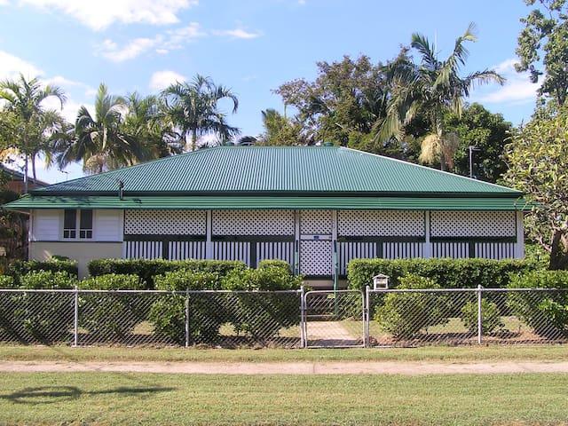 Eyre Cottage, North Ward Townsville - North Ward - House