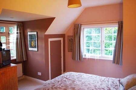 Lovely B&B with Garden and Spa 2 - Whittlesford