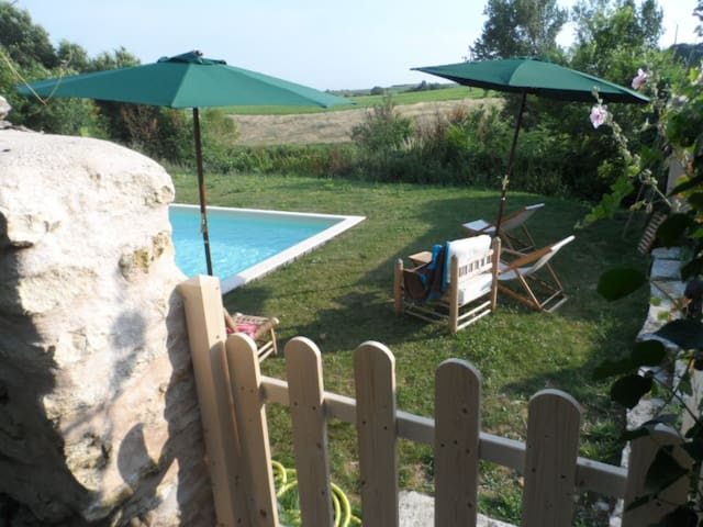 Nice cottage Heated pool. - Boutenac-Touvent - House