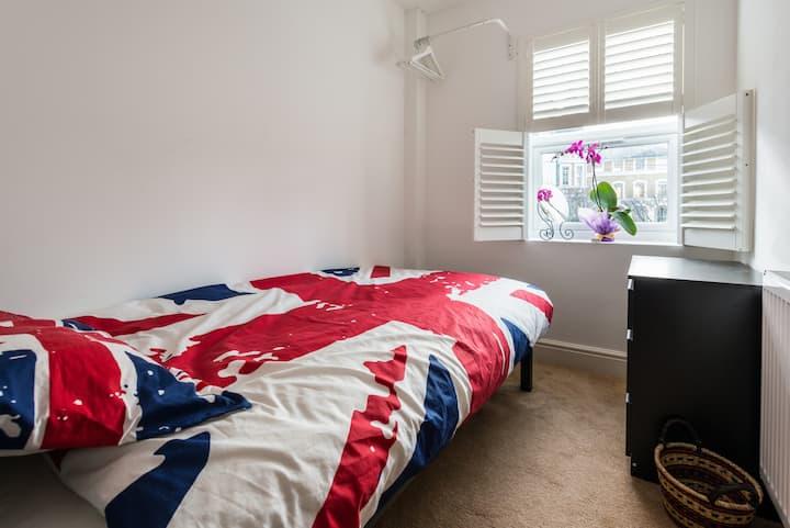 Single bedroom in old East London