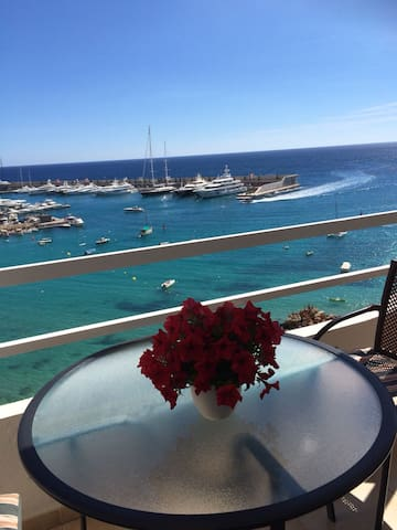 Self contained sea front 2 bedroom apartment at port Adriano Eltro Mallorca spain