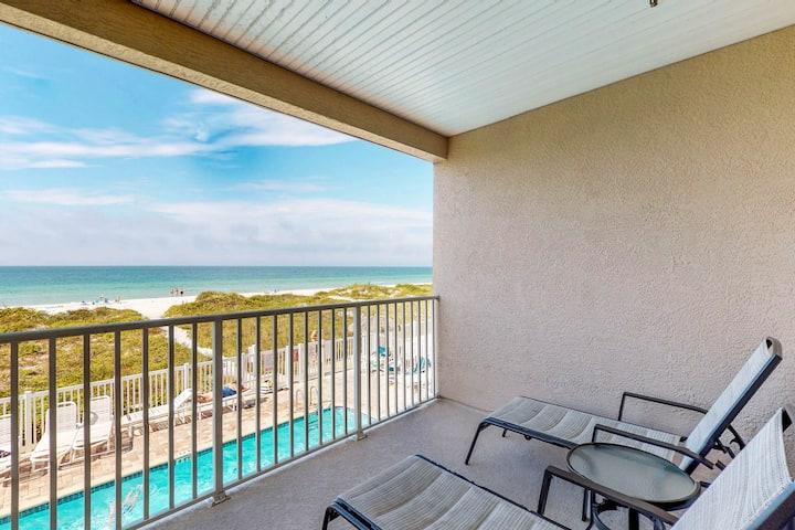 Dog-friendly, beachfront, condo w/ a shared pool & hot tub