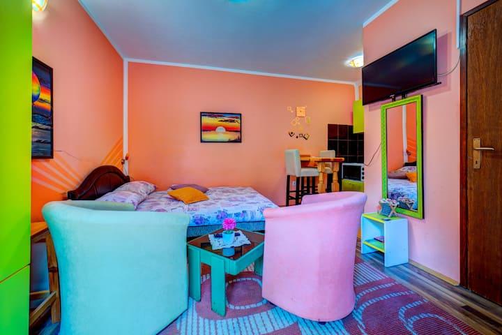 Pinky for 2, Villa Ruza
