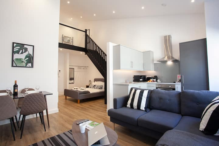 Luxury, Spacious Duplex in the heart of Manchester