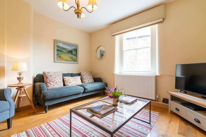 Butts Cottage, Bakewell - Boutique, Cosy & Luxury