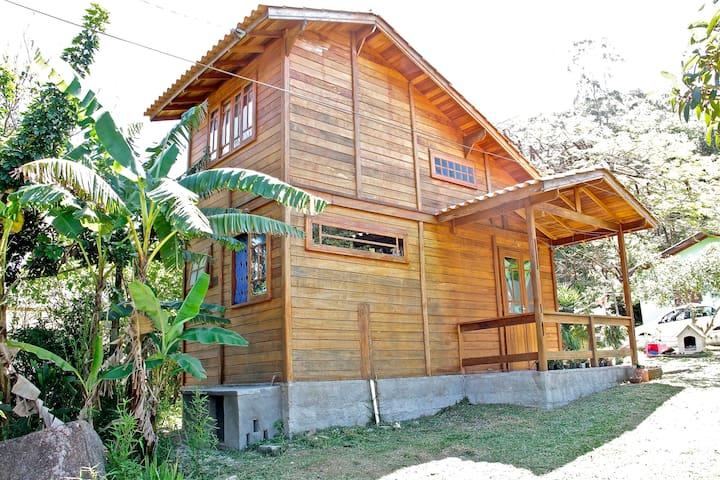 Casa Mezanino na Praia do Sambaqui