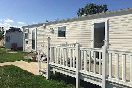 Static Caravan Highfields, Clacton - Clacton-on-Sea - Chalet