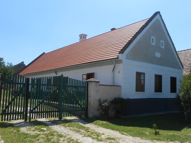 Héttörpe Ház - Barnag - House