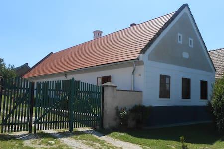 Héttörpe Ház - Barnag - Ház