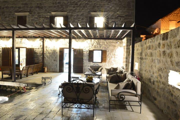 Villa Angelina - Three-Bedroom Villa