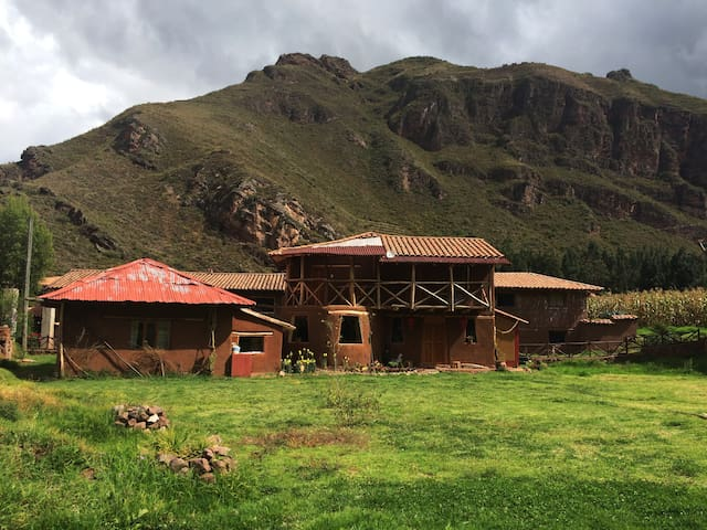 1 double size bed in peaceful country house - Cusco - Casa