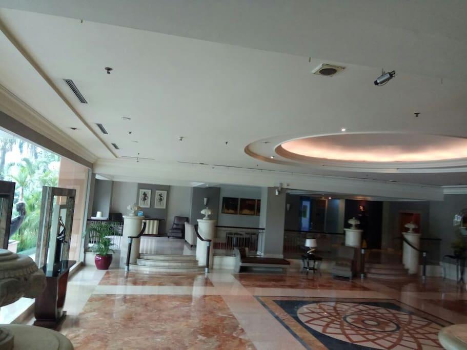 Lobby of the apartment  アパートメントのロビーです。