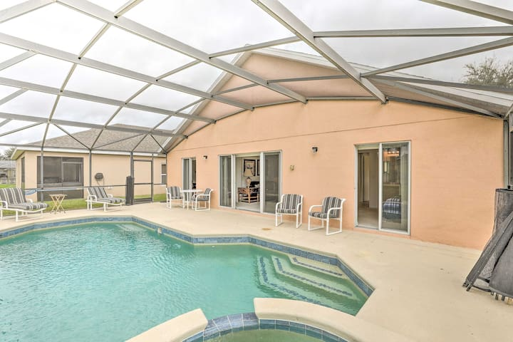 Pet-Friendly Home < 20 Miles to Walt Disney World!